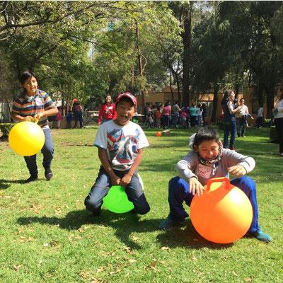 Los índices de activación física tienden a decrecer a partir de la adolescencia; que los jóvenes aprecien el deporte les permitirá aspirar a una larga vida, activa y saludable.