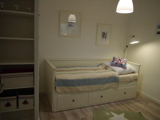 Schlafzimmer 2 -- Ausziebett max. 1,60m