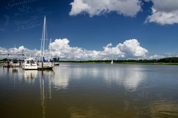 Yachthafen in Neuhaus/Oste