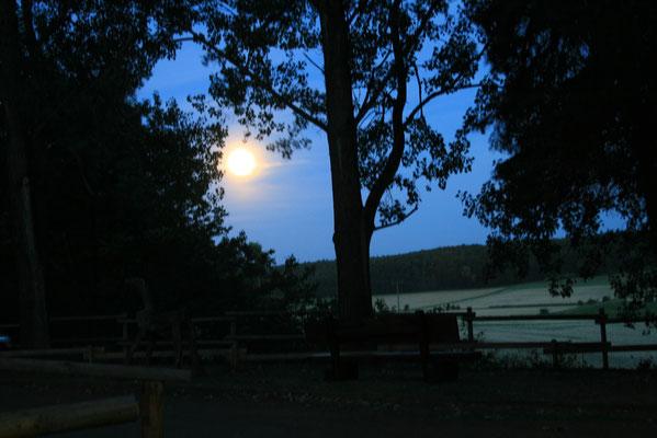 Freizeitzentrum im Mondschein