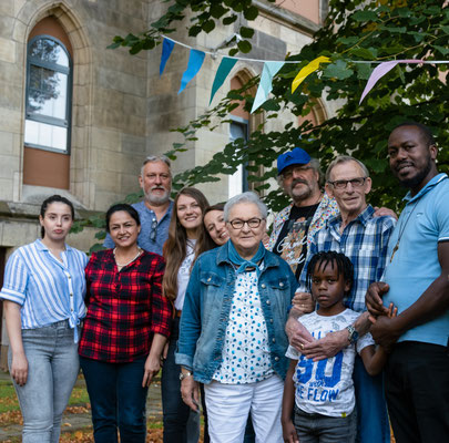 Fotoshooting mit Ehrenamtlichen zu Kirche im Dorf (2019)