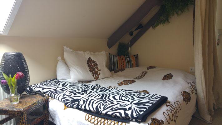 Malaika - Afrika [140 cm Bett, Durchgangszimmer]