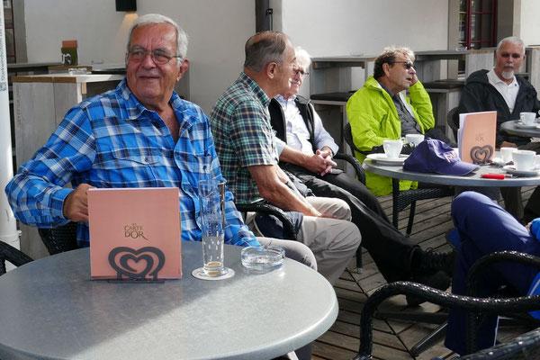 Beim Güterhof:  Bison, Dandy, Glenn, Neptun, Zingg