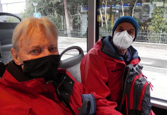 Patsch und Chlapf im Postbus 240 in Thalwil