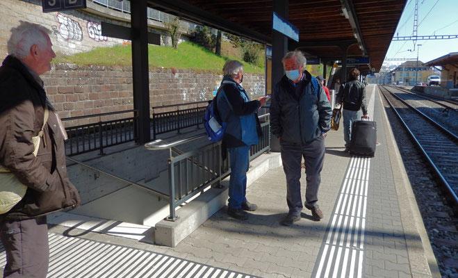 Heimkehr vom Bahnhof Herrliberg-Feldmeilen