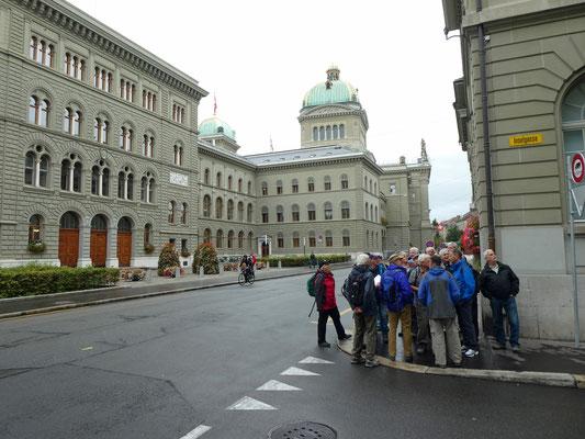 Bundeshaus Infohalt