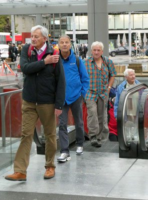 Ausgang Bahnhof Bern: Skal, Ready, Falco, Tardo