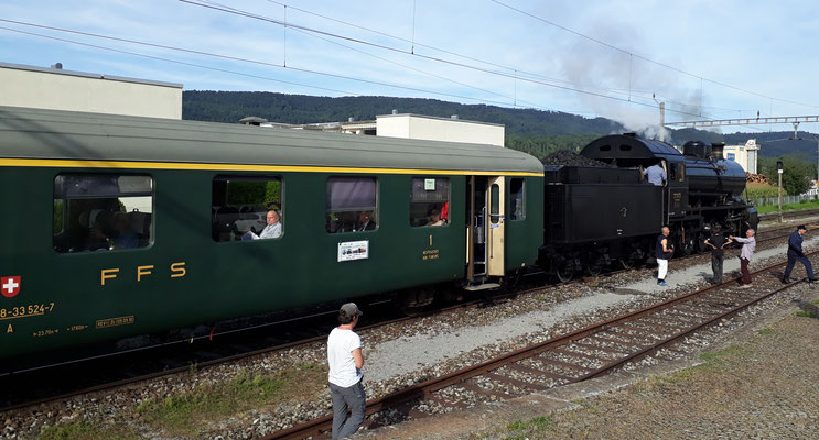 "Nostalgiefahrt mit SBB C 5/6 ""Elephant"" im Bahnhof Embrach"