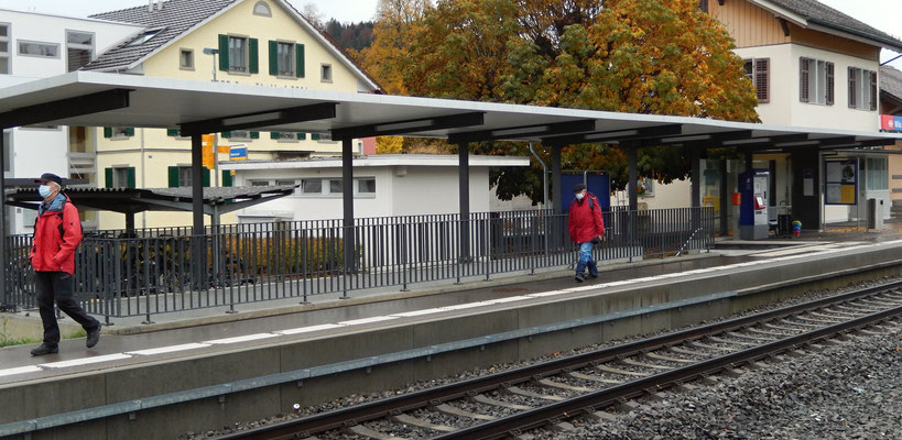 Chlapf & Patsch am Bahnhof Wila