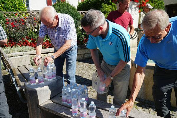 Hemmental: Wasser fassen  Zofy, Thomas, Goliath