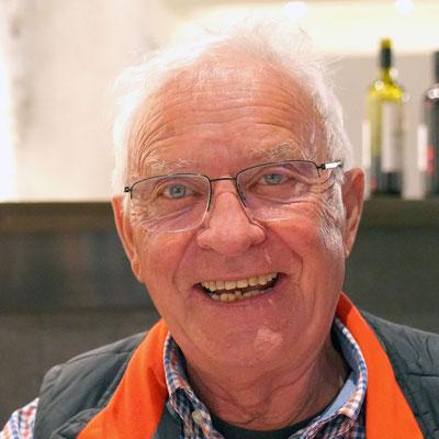 Jubilar Cirrus, 77 Jahre