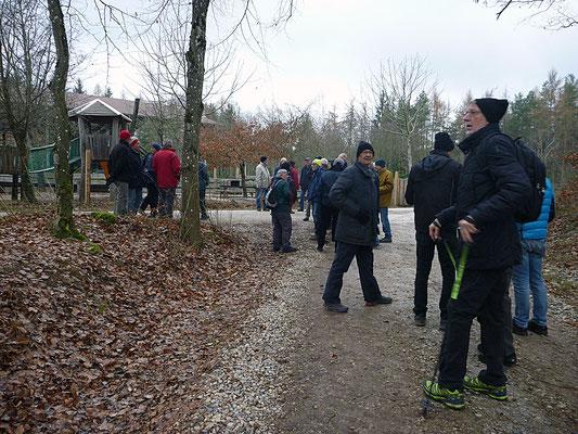 beim Waldspielplatz Engeweiher:  Pröschtli, Pegel