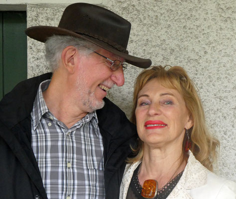 Apérospender Pegel und Larissa