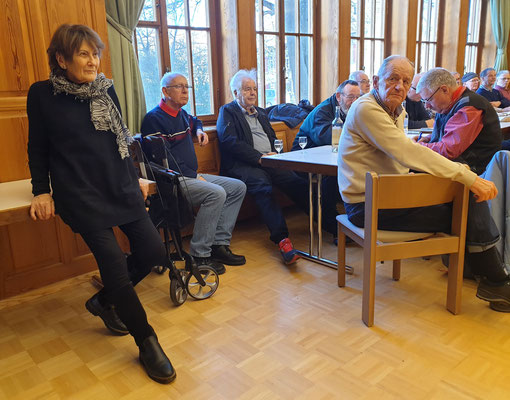 Wanderung 894: Hemmental - Residence.  Susanne und Jump (Apéro-Spender)