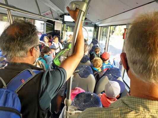 Busfahrt mit besonderen Bedingungen