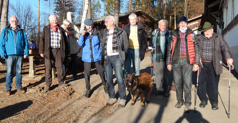 """Gruppe """"Rosinli""""_Rugel, Tardo, Wurf, Mex, Tardo, Coup, Falco, Chlapf, Sinus & der Schatten von Zingg"""