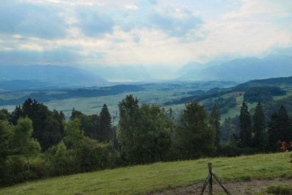 Aussicht vom Tavel-Denkmal - Gürbetal, Thun, Niesen