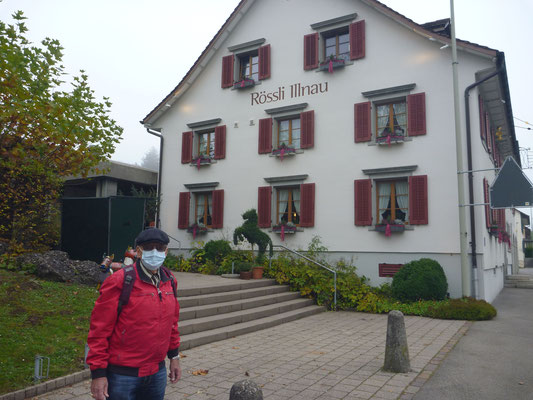 +++ Corona-Wanderung 608 B:   Kegeln und Metzgete im Rössli, Illnau