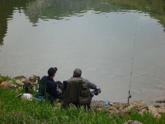 Fischer am Ufer des Voralpsee