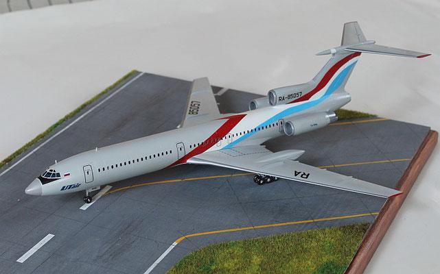 """TU 154M """" RA-85057  Utair  """" Zvesda 1/144 -3"""