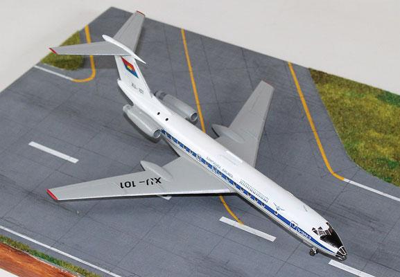 "TU 134A-3  "" XU-101 ""  Kampuchea Airlines   Zvesda  1/144 -2"