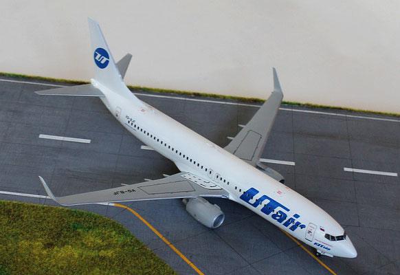 """B 737-800  """" VQ-BJF """"  UTair   Zvesda  1/144 -2"""