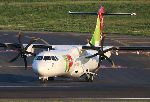 "ATR 72-212A (600) "" CS-DJG ""  TAP Express -5"