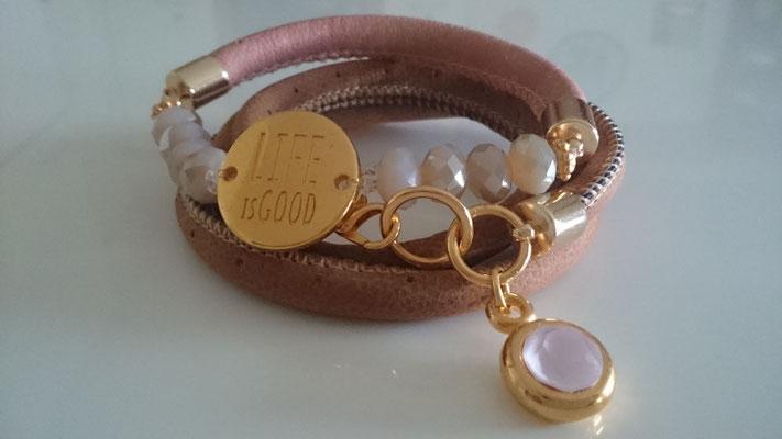 Beide Armbänder 25 Euro/doppeltes Armband 16 Euro/Leder mit Perlen 13 Euro