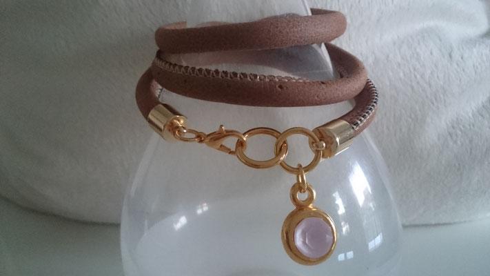 Lederimitat doppelt rund in braun mit Karabinerverschluss in Gold und Fassung mit rose Swarovski Stein