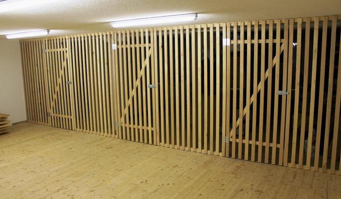 Kellerverschlag mit Türen
