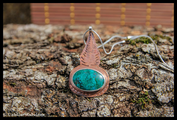 31.Pendentif chrysocolle sapin cuivre, Argent massif, 62 euros.