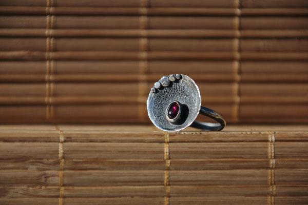 103.Bague Grenat ovale reticulé, Argent 925, 58 euros