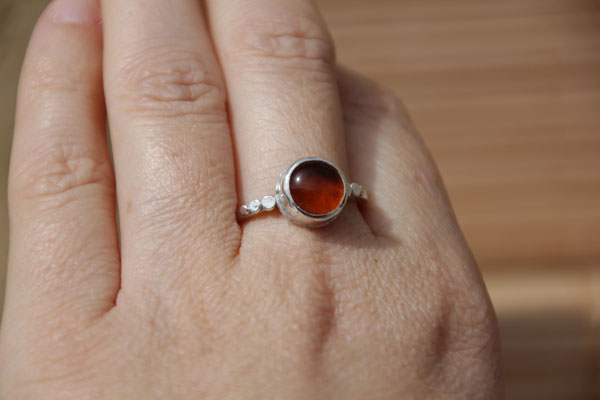 95.Bague Ambre point simple, Argent 925, 49 euros