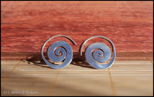 21.Boucle d'oreille Spirale, Argent 925, 49 euros