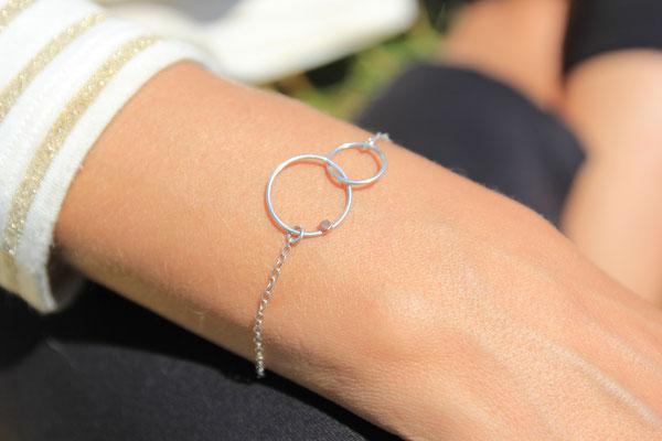5. Bracelet chaine deux anneaux, Argent massif, 35 euros
