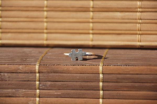 50.Bague puzzle, Argent 925, 37 euros(martelé, brossé ou brillant)
