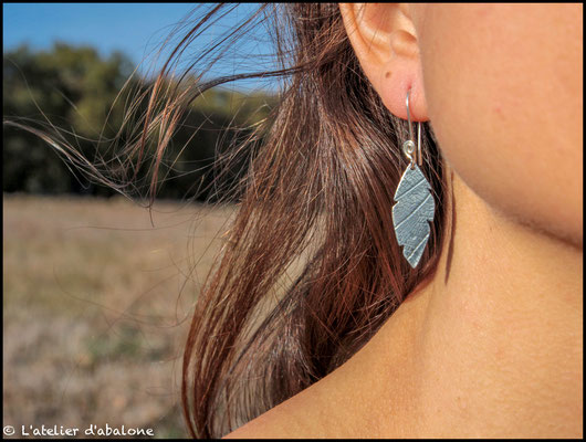 55.Boucle d'oreille plume t. feuille, Argent 925, 34 euros