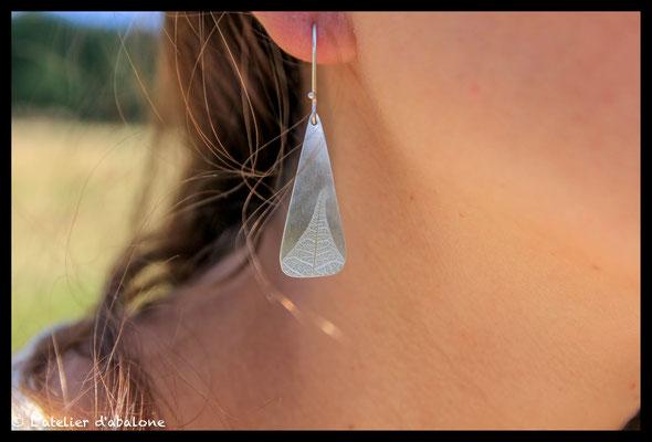 91. Boucle d'oreille pointe de feuille, Argent massif,42 euros.