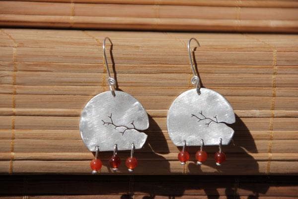 35.Boucle d'oreille branche cornaline perle, Argent 925, 55 euros