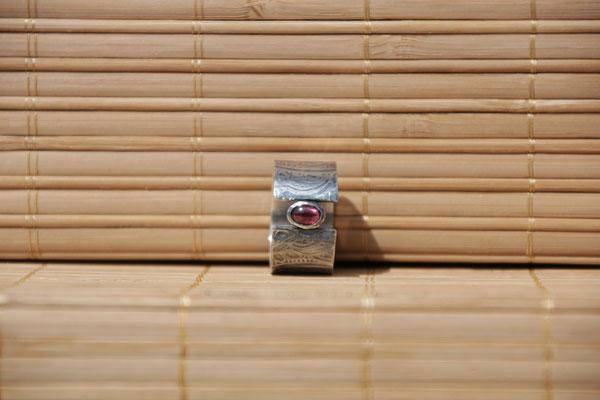 74.Bague Grenat mandala, Argent 925, 59 euros