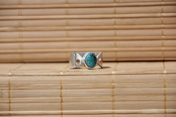 75.Bague Turquoise ovale point cuivre, Argent 925,64 euros
