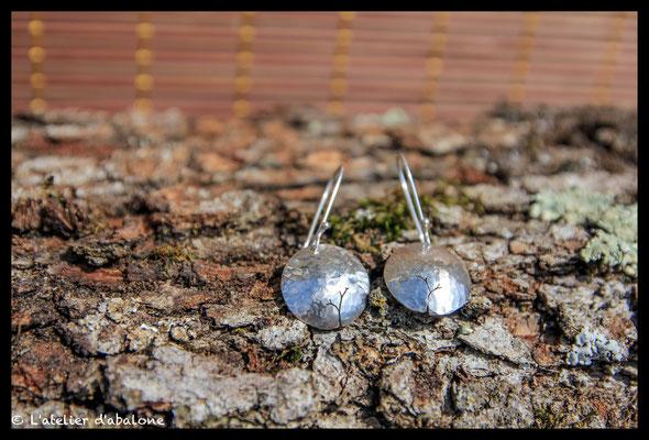 83. Boucle d'oreille martelé dome , Argent 925, 42euros