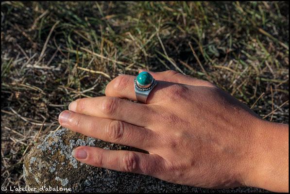 97.Bague Turquoise ronde, Argent 925, 64 euros