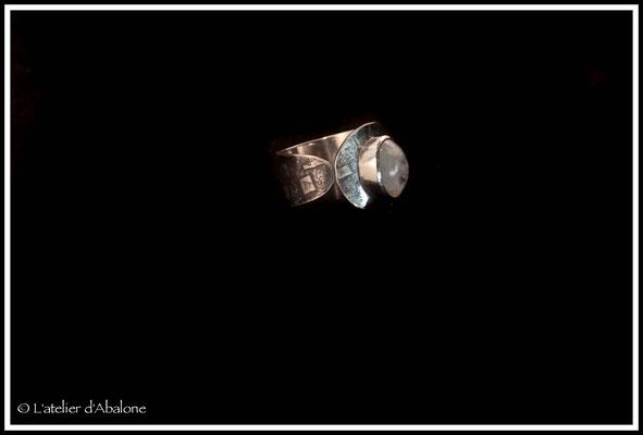 48.Bague Pierre de lune ovale, Argent 925, 56 euros