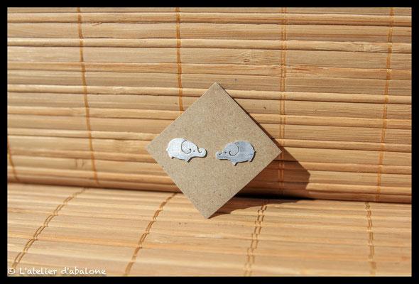 65.Boucle d'oreille stud elephant spi, Argent 925, 33 euros