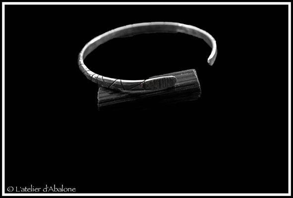 4. Bracelet scié oxydé, Argent massif, 55 euros