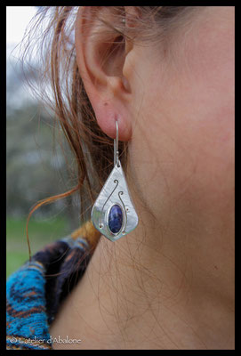 10.Boucle d'oreille Sodalite ovale spirale, Argent 925, 49 euros