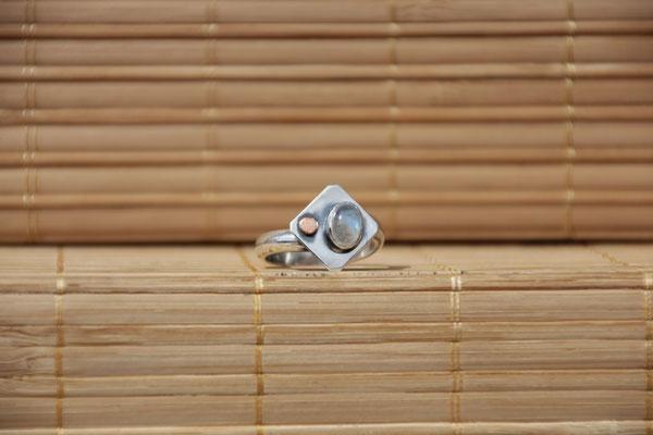 94.Bague petite p. de lune point de cuivre, Argent 925, 52 euros