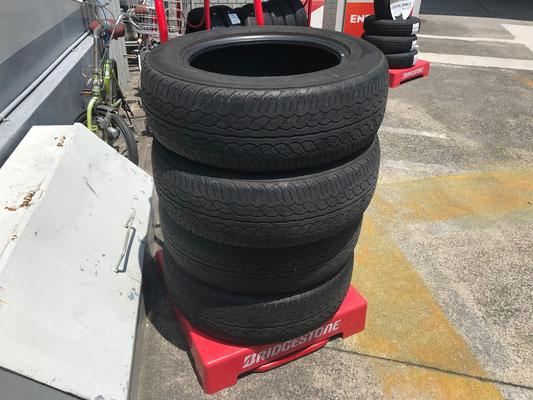 交換したタイヤです。廃タイヤ処分となります。