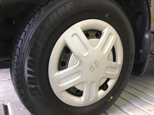 新品に交換しました。ブリヂストンNEXTRY タイヤサイズ 145/80R12 ホンダゼスト
